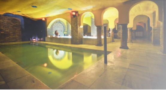 Baño Arabe Granada San Miguel:Baños árabes Aljibe de San Miguel Granada – Arab Baths in Granada